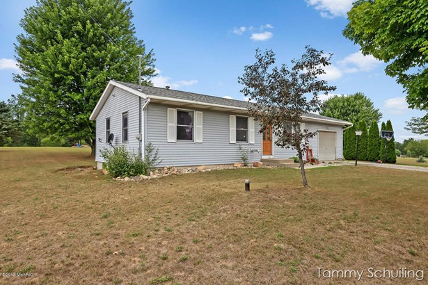 Single Family Residence, Ranch - Kent City, MI