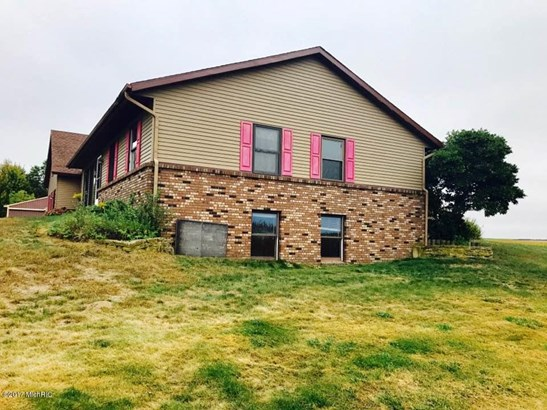 Single Family Residence, Ranch - Holland, MI (photo 2)