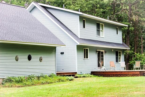 Cape Cod, Single Family Residence - Manistee, MI