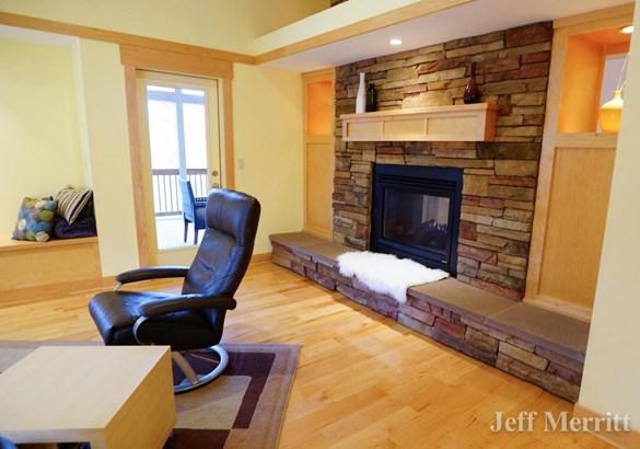 Single Family Residence, Contemporary - Alto, MI (photo 4)