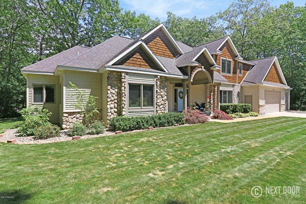 Single Family Residence, Traditional - West Olive, MI