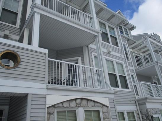 Condominium, Contemporary - Ludington, MI (photo 1)