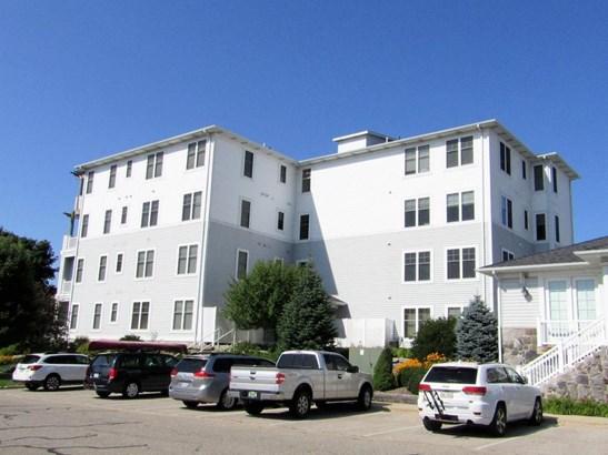 Condominium, Contemporary - Ludington, MI