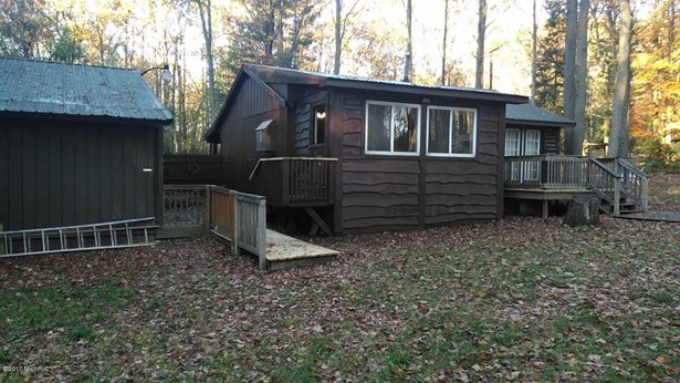 Cabin/Cottage, Single Family Residence - Harrison, MI (photo 3)