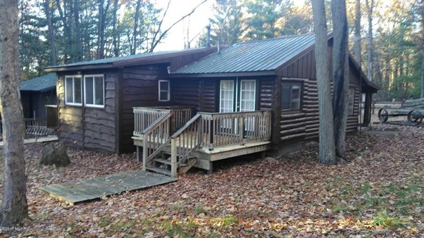 Cabin/Cottage, Single Family Residence - Harrison, MI (photo 4)