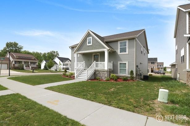 Single Family Residence, Bi-Level - Allendale, MI (photo 3)
