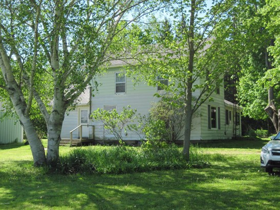 Farm House, Single Family Residence - Montague, MI (photo 3)