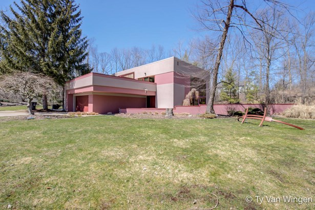 Single Family Residence, Contemporary - Grand Rapids, MI (photo 2)