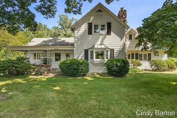 Farm House, Single Family Residence - Hastings, MI