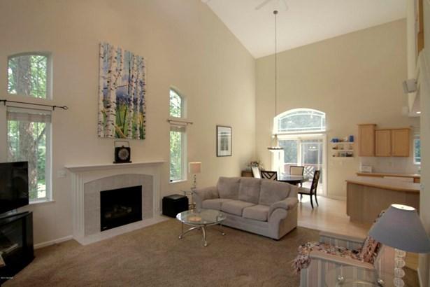 Single Family Residence, Contemporary - Belmont, MI (photo 2)