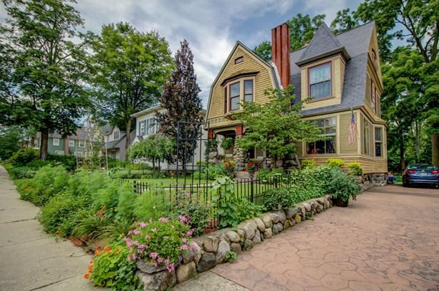 Single Family Residence, Victorian - Grand Rapids, MI (photo 4)
