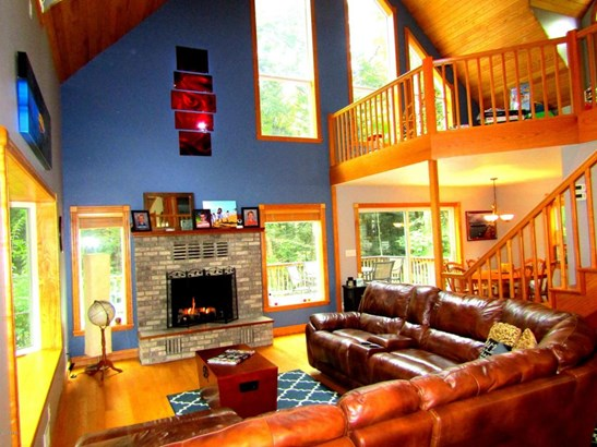Single Family Residence, Contemporary - Ludington, MI (photo 2)