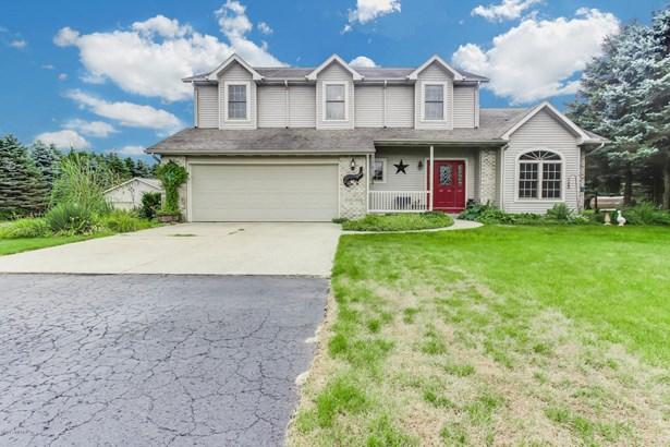 Single Family Residence, Traditional - Hamilton, MI (photo 1)