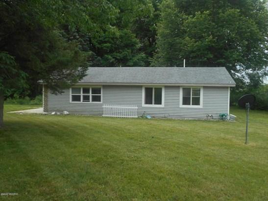 Single Family Residence, Ranch - Big Rapids, MI (photo 2)