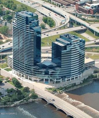 Condominium, Traditional - Grand Rapids, MI (photo 2)