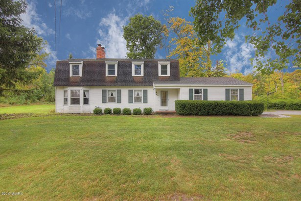 Single Family Residence, Colonial - Holland, MI (photo 1)