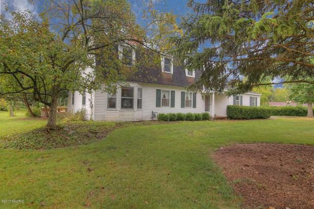 Single Family Residence, Colonial - Holland, MI (photo 3)