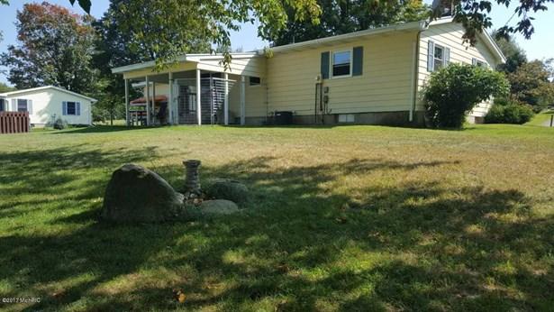 Single Family Residence, Ranch - Hesperia, MI (photo 2)