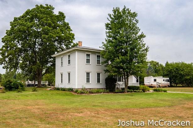 Farm House, Single Family Residence - Lowell, MI