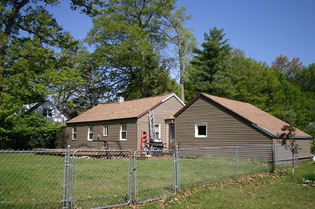 Single Family Residence, Ranch - Fruitport, MI (photo 3)