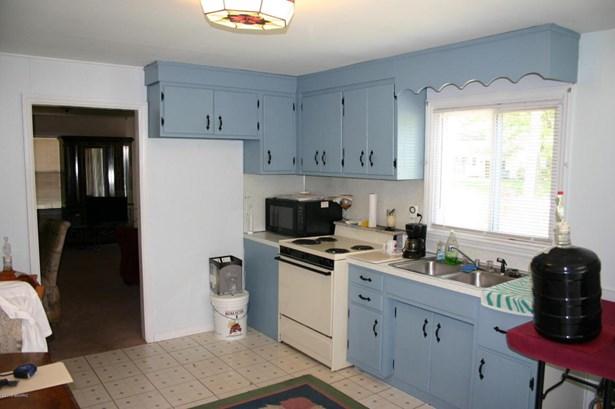 Single Family Residence, Ranch - Fruitport, MI (photo 5)