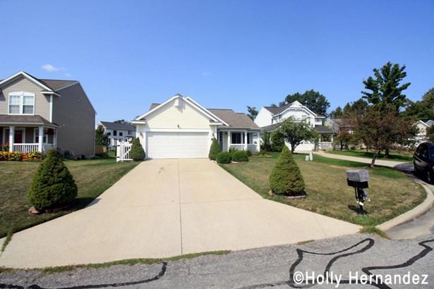 Tri-Level, Single Family Residence - Kentwood, MI (photo 3)