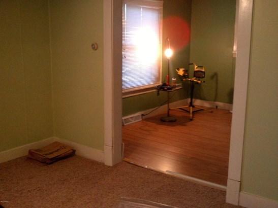 Single Family Residence, Traditional - Muskegon, MI (photo 4)