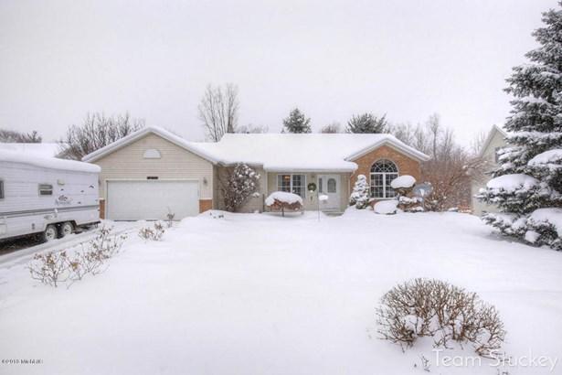 Single Family Residence, Quad Level - Byron Center, MI (photo 1)
