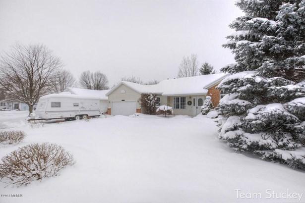 Single Family Residence, Quad Level - Byron Center, MI (photo 2)