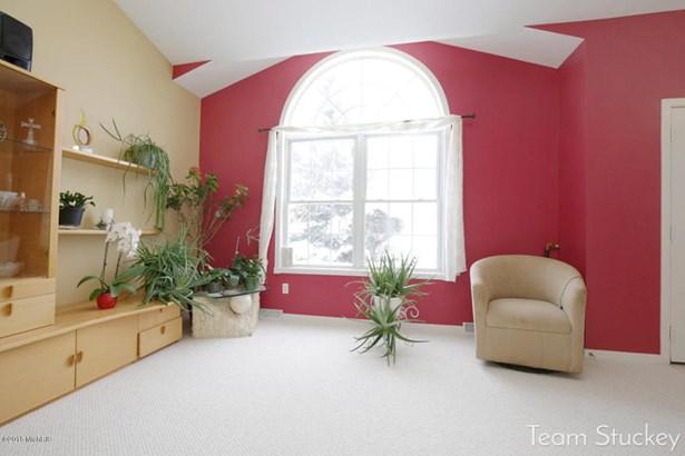 Single Family Residence, Quad Level - Byron Center, MI (photo 5)