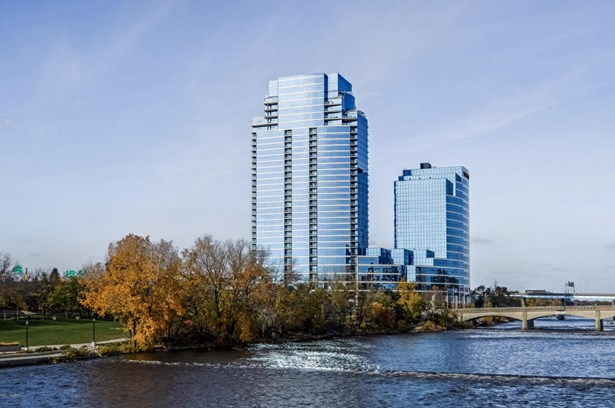 Condominium, Contemporary - Grand Rapids, MI (photo 1)