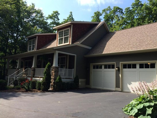 Single Family Residence, Traditional - Fennville, MI (photo 3)