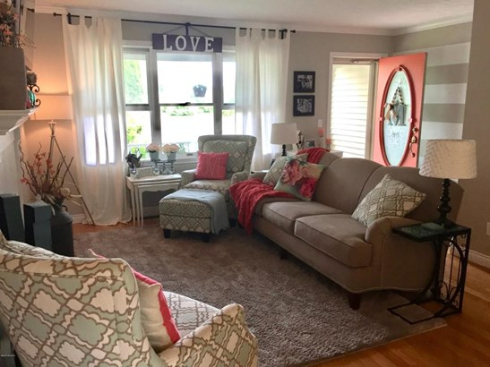 Single Family Residence, Quad Level - Allendale, MI (photo 3)