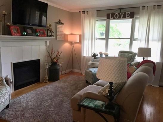 Single Family Residence, Quad Level - Allendale, MI (photo 4)