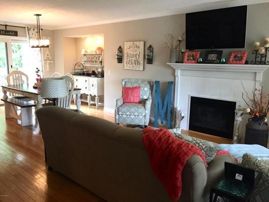 Single Family Residence, Quad Level - Allendale, MI (photo 5)