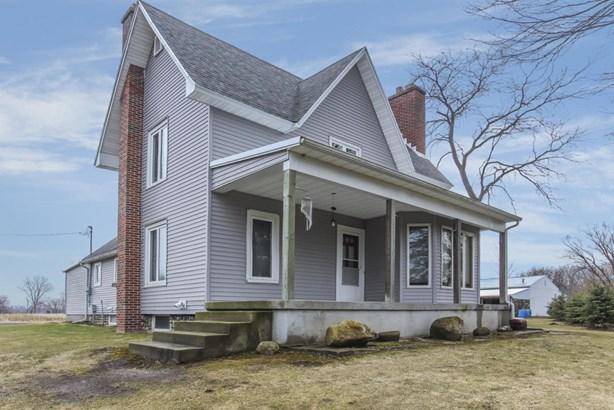 Farm House, Single Family Residence - Edmore, MI (photo 1)