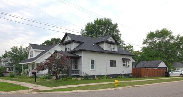 Single Family Residence, Bungalow - Wyoming, MI (photo 1)