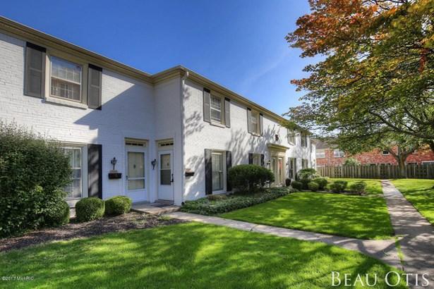 Condominium, Colonial - Grand Rapids, MI (photo 1)