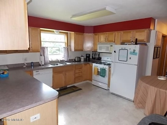 Single Family Residence, Ranch - Alto, MI (photo 2)