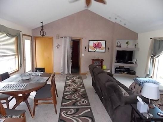 Single Family Residence, Ranch - Alto, MI (photo 4)