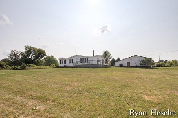 Single Family Residence, Mobile - Lake Odessa, MI (photo 1)