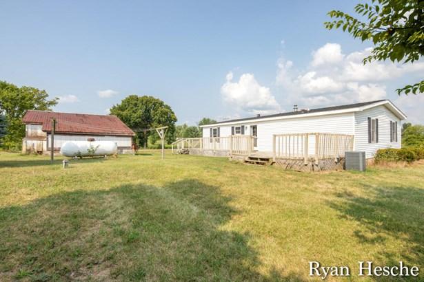 Single Family Residence, Mobile - Lake Odessa, MI (photo 3)