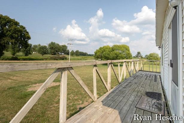 Single Family Residence, Mobile - Lake Odessa, MI (photo 5)