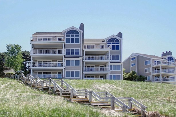 Condominium, Ranch - Holland, MI (photo 2)
