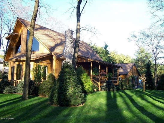 Chalet, Single Family Residence - Montague, MI (photo 1)