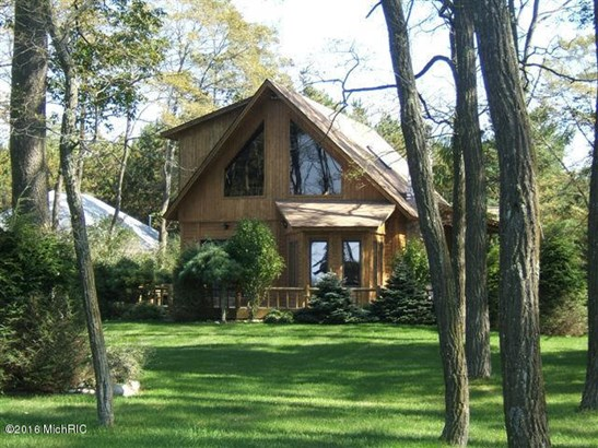 Chalet, Single Family Residence - Montague, MI (photo 2)