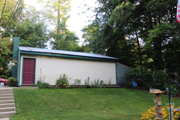 Cabin/Cottage, Single Family Residence - Saranac, MI (photo 2)