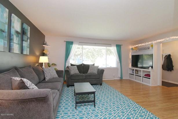 Single Family Residence, Ranch - Zeeland, MI (photo 4)