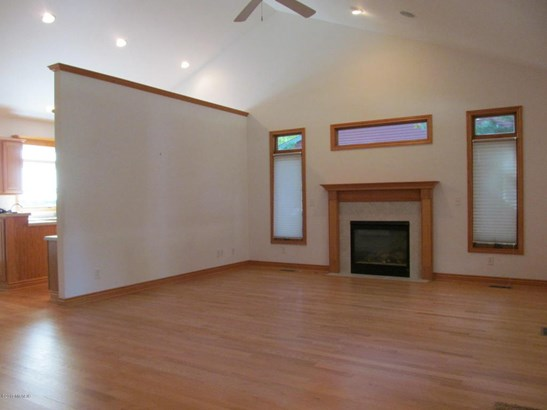 Single Family Residence, Ranch - Saugatuck, MI (photo 5)