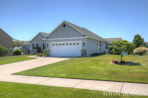Single Family Residence, Ranch - Byron Center, MI (photo 3)